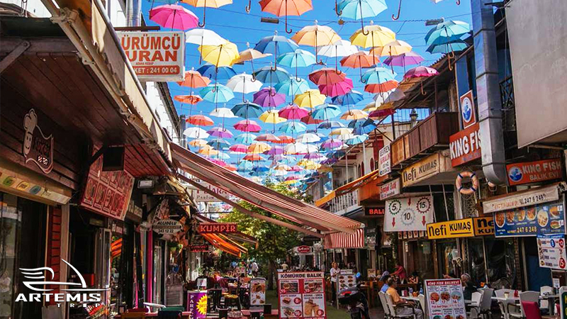 سازگار شدن با فرهنگ و سبک زندگی شهروندان در ترکیه از عواملی هستند که بر کیفیت شرایط زندگی اثر میگذارند.
